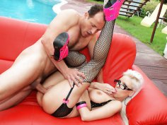 Highheels and stockings Alexis gets banged
