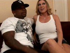 Sexed Devon Lee having fun with ebony guy
