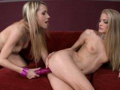 Amazing blonde Cayenne Klein drills her girlfriend's snathc with a dildo