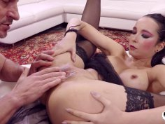 Slutty MILF in black stocking has her tight pussy fingered