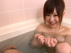 Miku Gets A Hand In The Bath