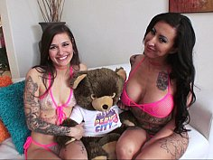 Tatted-up lesbians eating ass