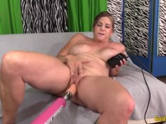 Screaming granny Jade Blissette loves our machine pounding her furry pussy
