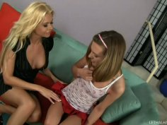 Kasey Chase seduces Barbi Sinclair for sex fun