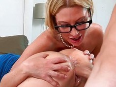 Mature and juvenile babe get their twats fucked