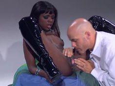 Ana Foxxx gobbles white sausage